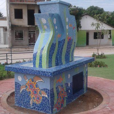 Fuente en mamposteria con acabados en mosaico